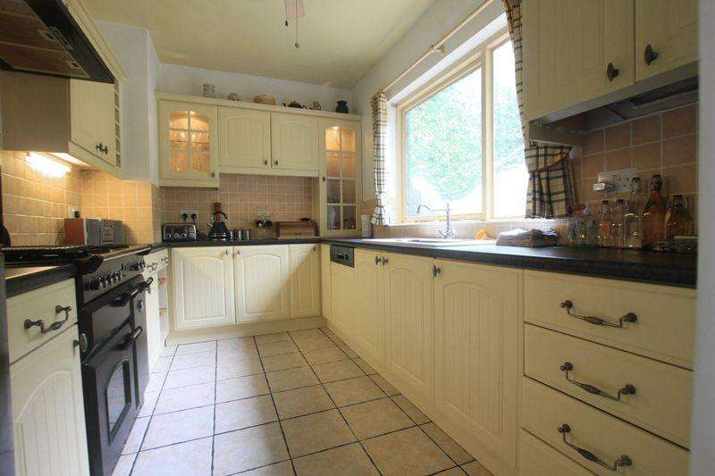 5 Bedrooms Detached House for sale in Bethesda, Gwynedd