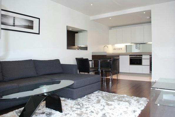 2 Bedrooms Flat for rent in Baltimore Wharf, North Boulevard, Isle of Dogs