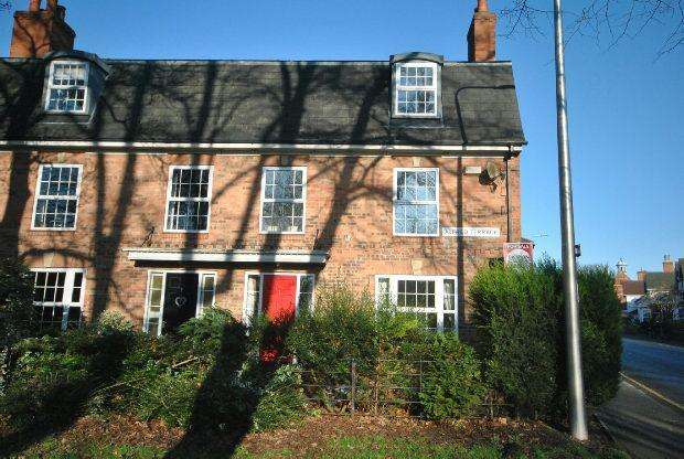 3 Bedrooms End Of Terrace House for sale in Alfred Terrace, GRIMSBY