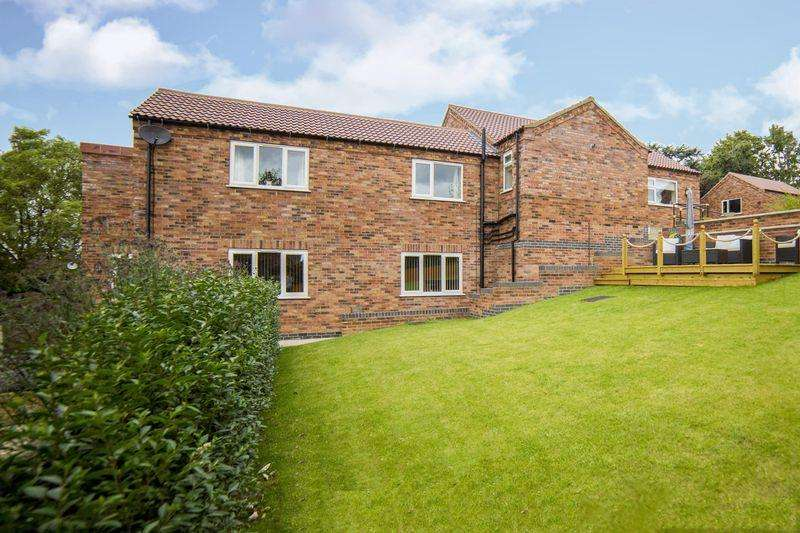 4 Bedrooms Detached House for sale in Christine Close, Yaddlethorpe