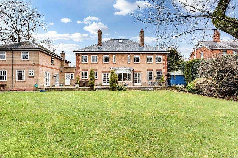 7 Bedrooms Detached House for sale in Biddulph Road, Congleton