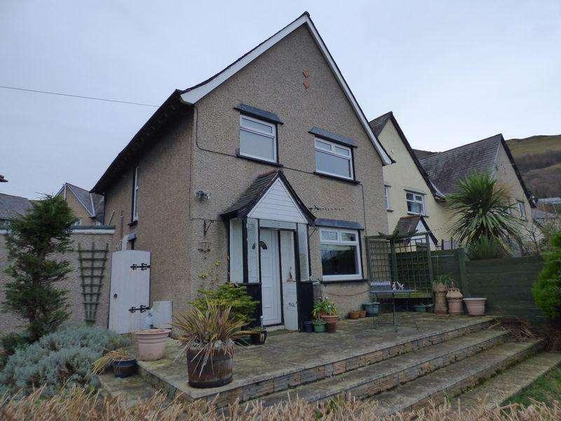3 Bedrooms End Of Terrace House for sale in 6 Cwm Road, Penmaenmawr LL34 6HG