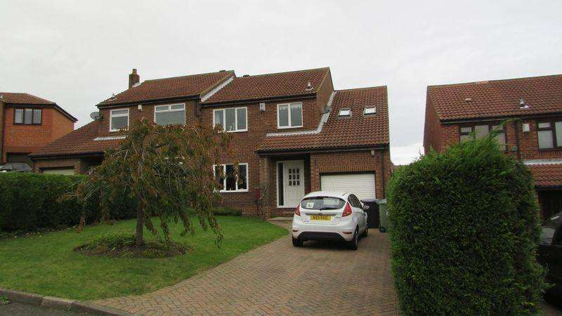 4 Bedrooms Semi Detached House for sale in Keating Close Blackhall Colliery TS27 4QN