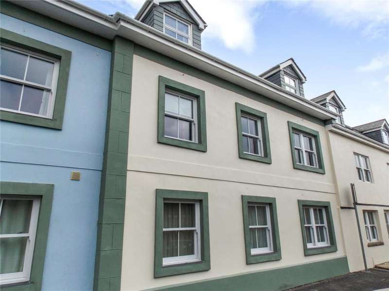 2 Bedrooms Flat for sale in Deakins Court, Higher Fore Street, Redruth