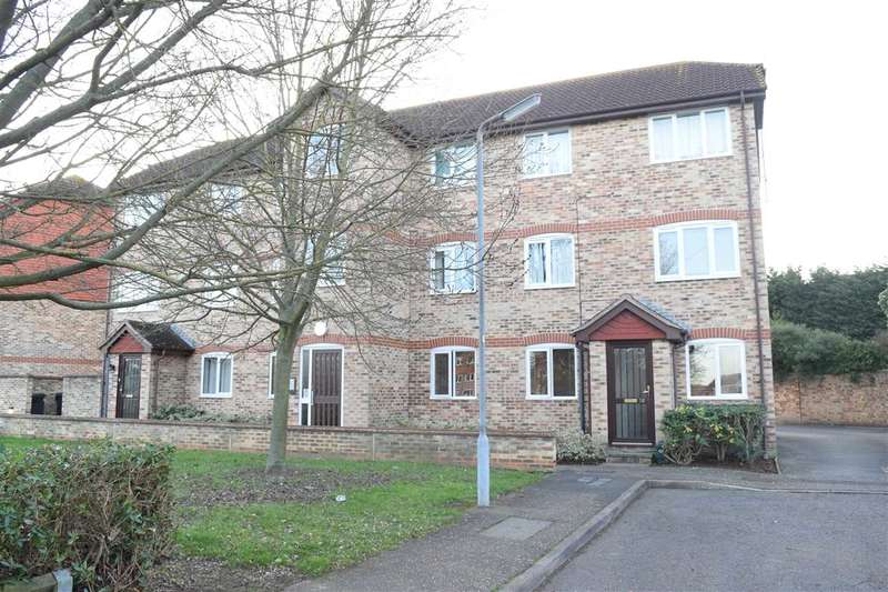 2 Bedrooms Apartment Flat for sale in Earlsfield Drive, Chelmer Village, Chelmsford