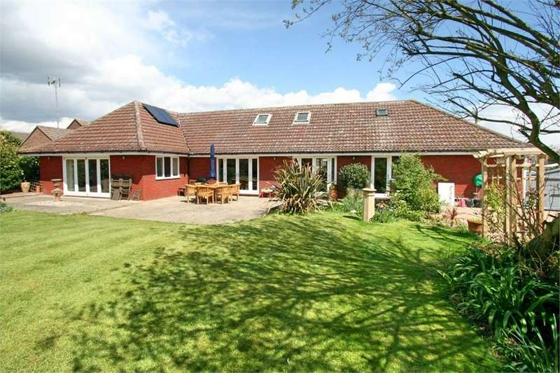 3 Bedrooms Detached Bungalow for sale in Green Lane, Tiptree, Colchester, Essex