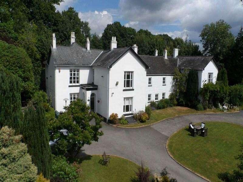 9 Bedrooms Detached House for sale in Cascade House, Pengam Road, Penpedairheol, Hengoed, CF82 8BX