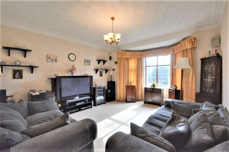 4 Bedrooms House for sale in Roe Lane, Churchtown, PR9 7PG