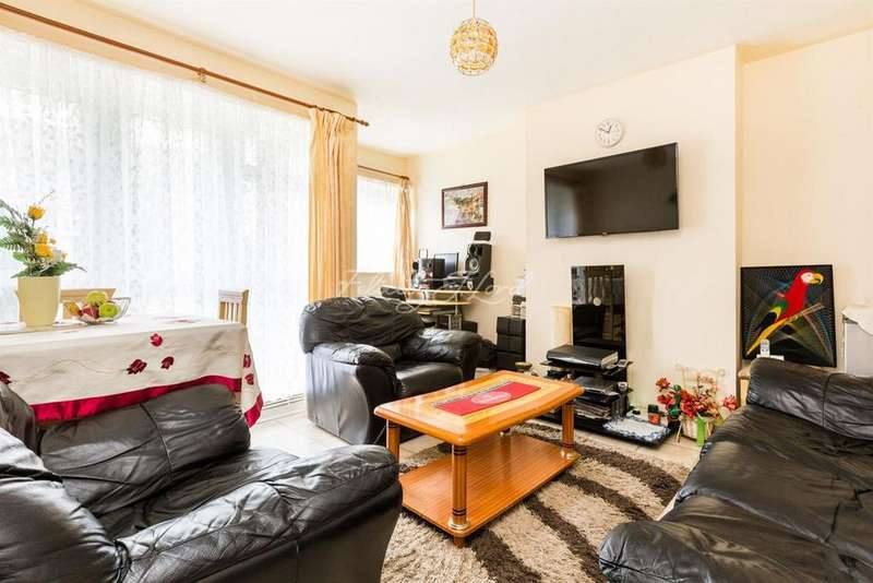 2 Bedrooms Flat for sale in Charles Burton Court, Ashenden Road, Clapton, E5.