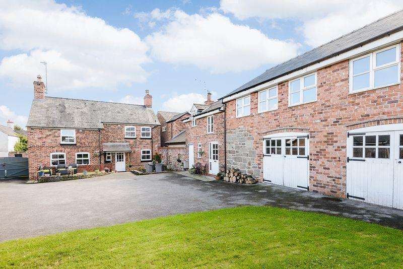5 Bedrooms Detached House for sale in Ashton, Nr. Chester