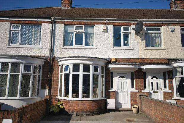 3 Bedrooms Terraced House for sale in Corinthian Avenue, GRIMSBY