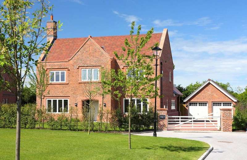 4 Bedrooms Detached House for sale in Hartford Grange, Walnut Lane, Hartford, Cheshire, CW8