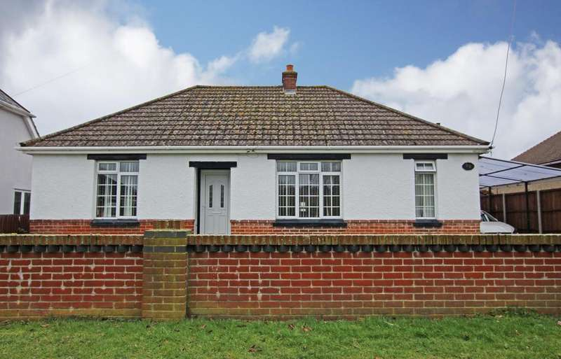 3 Bedrooms Detached Bungalow for sale in HOLBURY