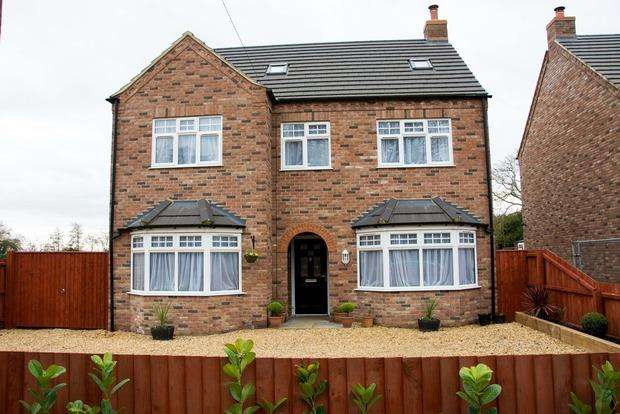 5 Bedrooms Detached House for sale in Outwell Road, Elm, Wisbech, PE14