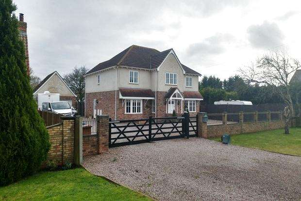 5 Bedrooms Detached House for sale in March Road, Coldham, Wisbech, PE14