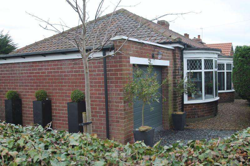 3 Bedrooms Bungalow for sale in St Columbas Avenue, Billingham
