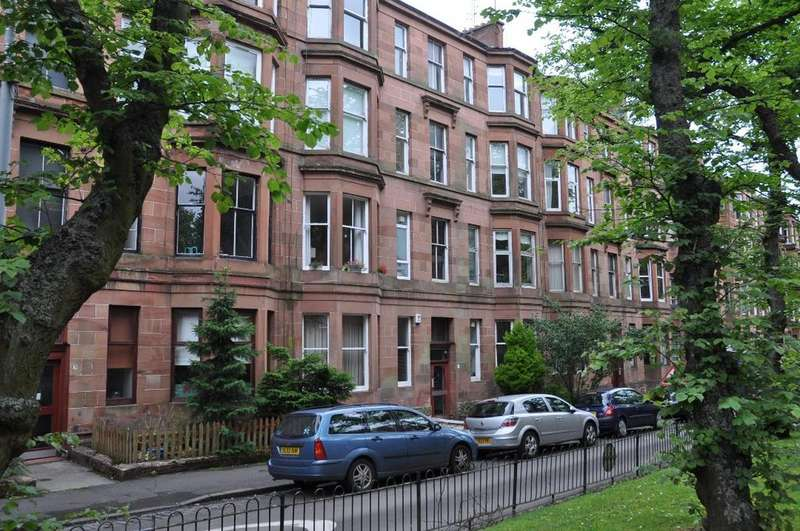 2 Bedrooms Flat for rent in Dudley Drive, Flat 2/2, Hyndland, Glasgow, G12 9SE