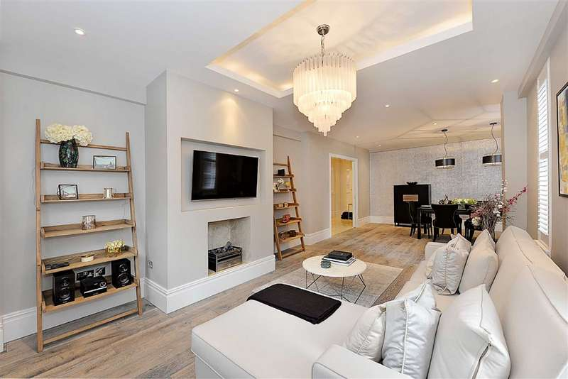 3 Bedrooms Flat for sale in Bryanston Court, London