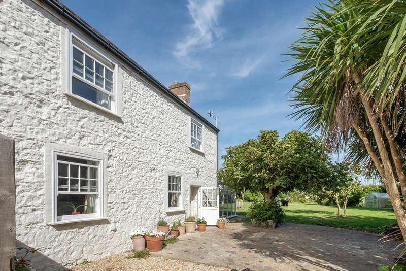 3 Bedrooms Cottage House for sale in Alum Bay, Isle of Wight