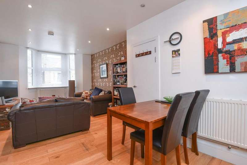 2 Bedrooms Flat for sale in Morval Road, Brixton, SW2