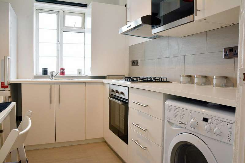 3 Bedrooms Flat for sale in Ashford Court, Ashford Road, London NW2