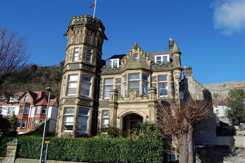 2 Bedrooms Apartment Flat for sale in Church Walks, Llandudno, Conwy