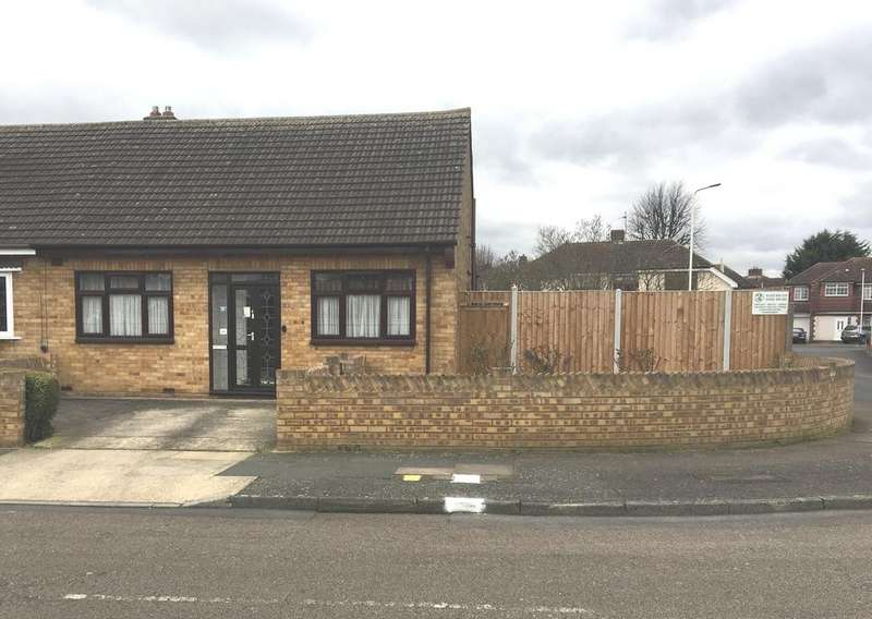 2 Bedrooms Semi Detached Bungalow for sale in Canberra Close, Hornchurch RM12