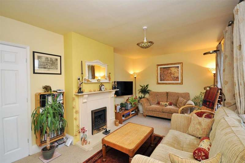 3 Bedrooms Maisonette Flat for sale in Alne Terrace, Heslington Road, York