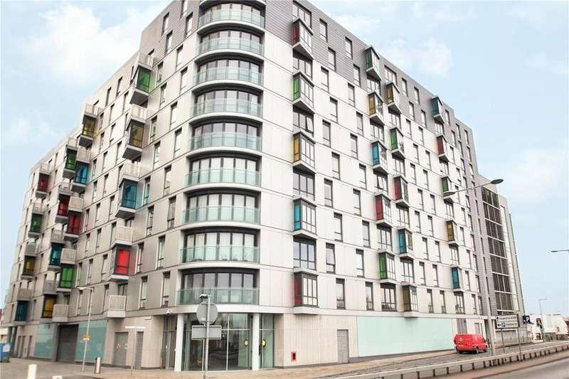 2 Bedrooms Flat for rent in Hunsaker, Alfred Street, Reading, Berkshire, RG1