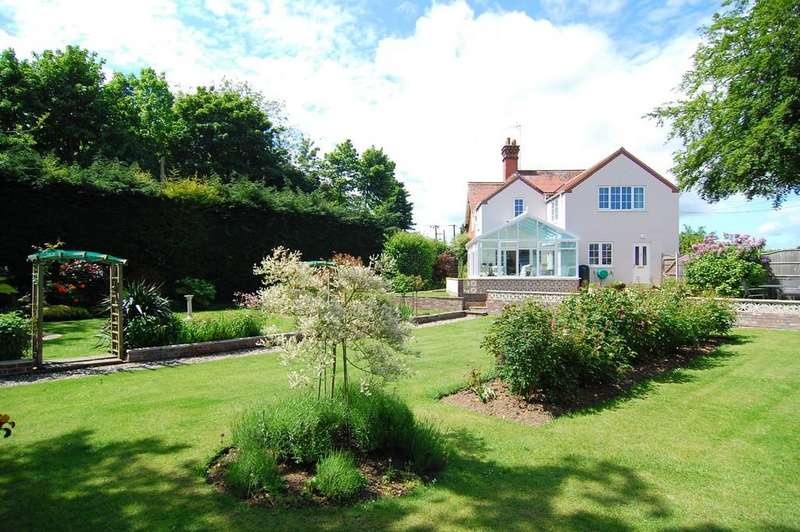 5 Bedrooms Detached House for sale in Holt Road, Briston