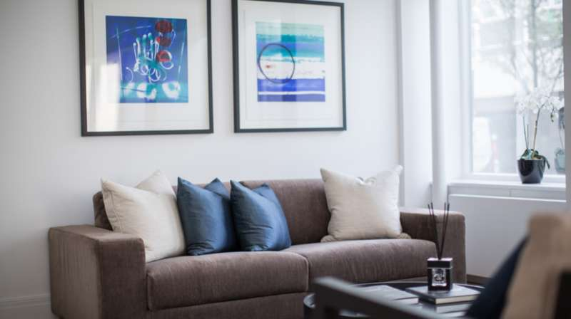 2 Bedrooms Ground Flat for sale in Cleveland Street, London. W1T