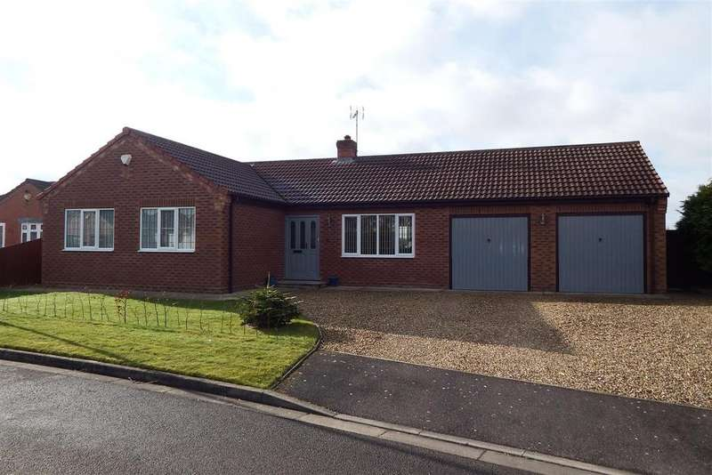 3 Bedrooms Detached House for sale in Bramley Close, Fleet Hargate