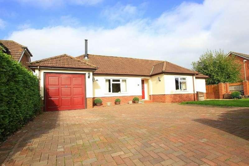 3 Bedrooms Detached Bungalow for sale in Howe Lane, VERWOOD