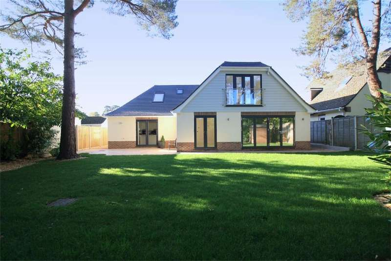 5 Bedrooms Detached House for sale in Chander Close, Ferndown