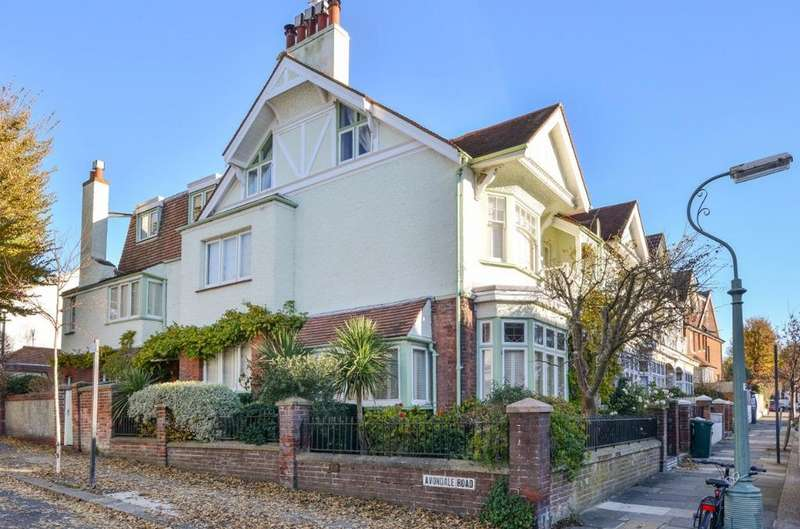 5 Bedrooms Semi Detached House for sale in Lyndhurst Road Hove East Sussex BN3