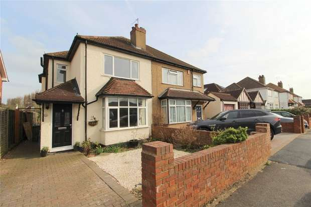 3 Bedrooms Detached House for sale in Thetford Road, ASHFORD, Surrey