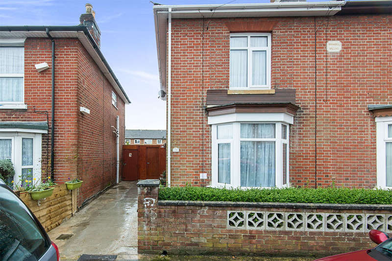 3 Bedrooms Semi Detached House for sale in Andover Road, Southampton, SO15