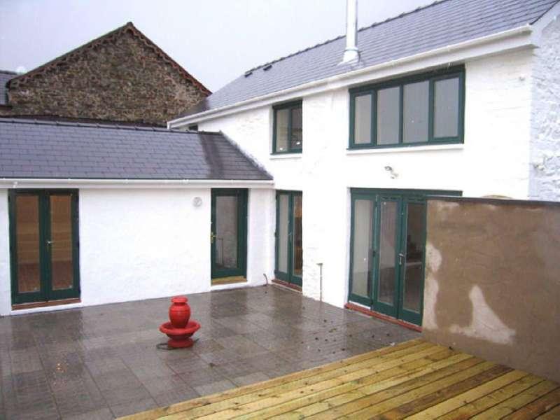 4 Bedrooms Cottage House for sale in Penuel Street, Carmarthen, Carmarthenshire