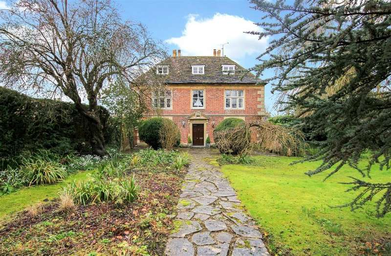 5 Bedrooms Detached House for sale in Frome Road, Southwick, Trowbridge