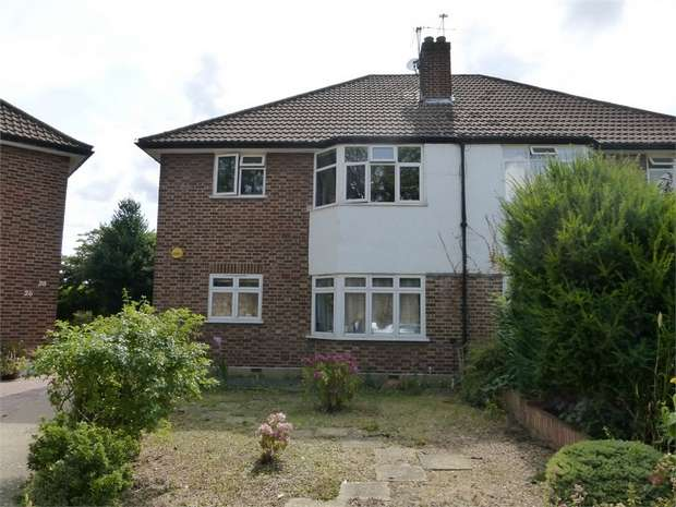 2 Bedrooms Maisonette Flat for sale in Henley Close, Isleworth, Middlesex