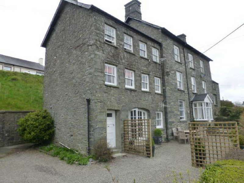 8 Bedrooms House for sale in Chapel Street, Tregaron, Ceredigion