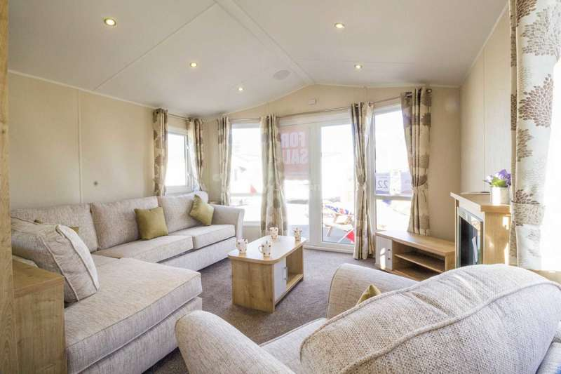 3 Bedrooms Caravan Mobile Home for sale in Corton, Lowestoft, Suffolk