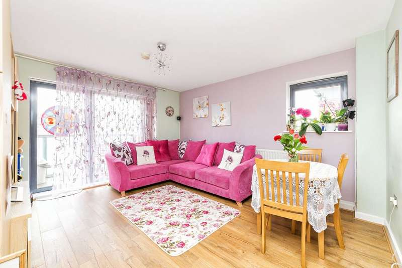2 Bedrooms Apartment Flat for sale in Helene House, Hartington Road, Canning Town, E16