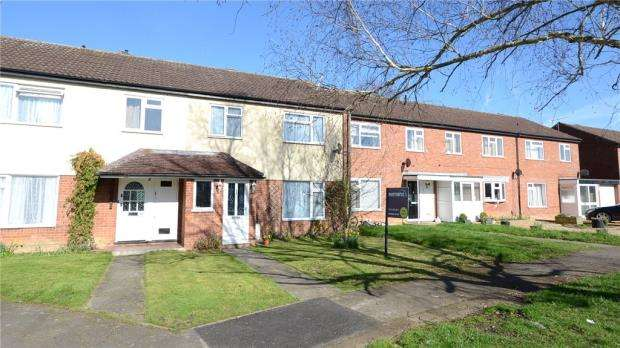 3 Bedrooms Terraced House for sale in Chatsworth Avenue, Winnersh, Wokingham