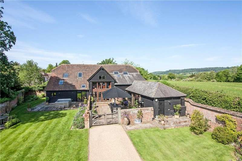 4 Bedrooms Detached House for sale in Hall Place, Cranleigh, Surrey, GU6
