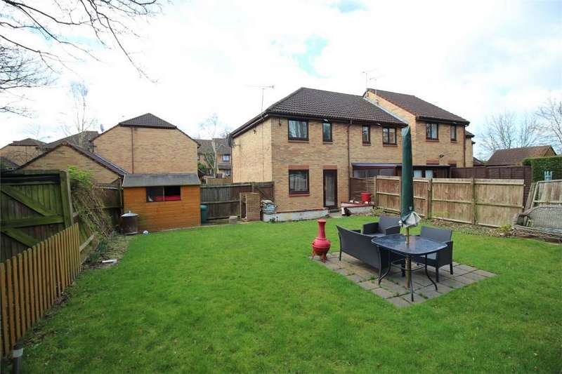 2 Bedrooms End Of Terrace House for sale in Bull Stag Green, HATFIELD, Hertfordshire
