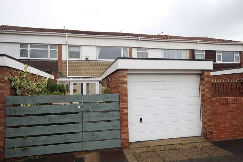 3 Bedrooms Terraced House for sale in St Johns Place, Whitley Lodge, Whitley Bay, NE26