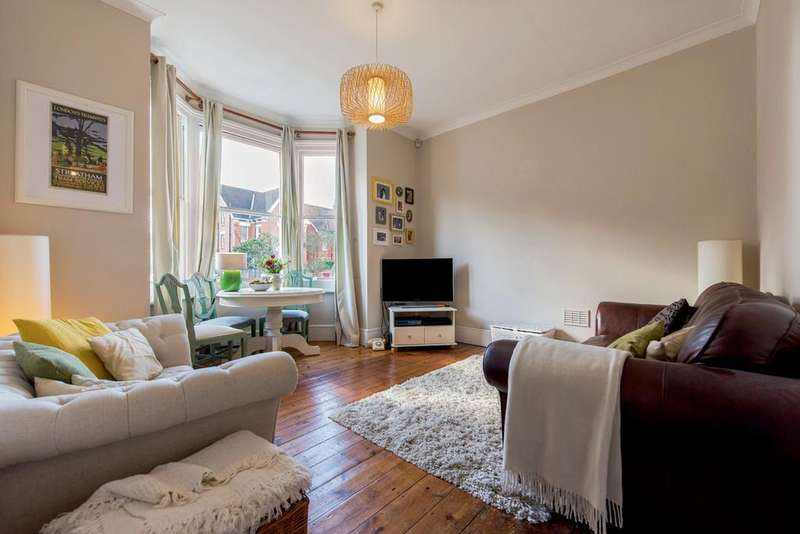 3 Bedrooms Flat for sale in Gleneldon Road, SW16