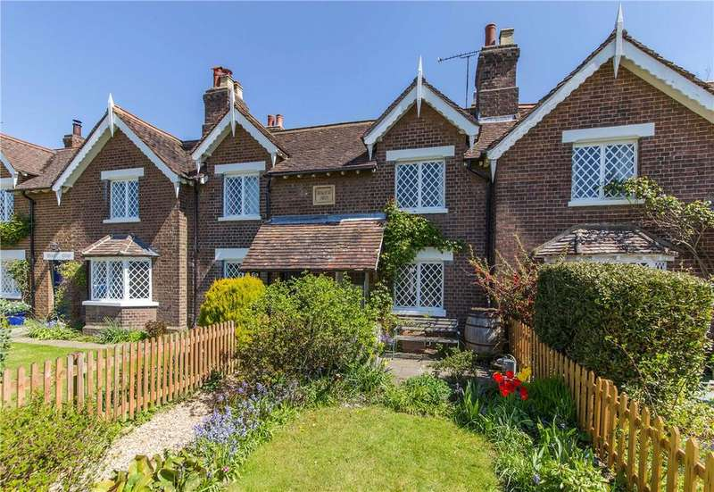 2 Bedrooms Terraced House for sale in Southdown Road, Harpenden, Hertfordshire