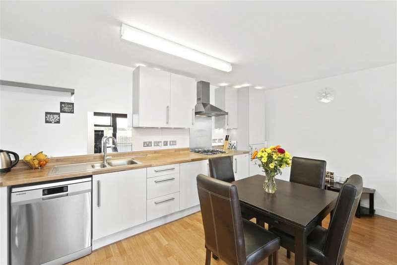 3 Bedrooms Flat for sale in 17 Fawe Street, London